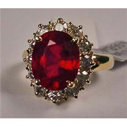 14K GOLD LADIES RUBY AND DIAMOND RING - Comes w/ G