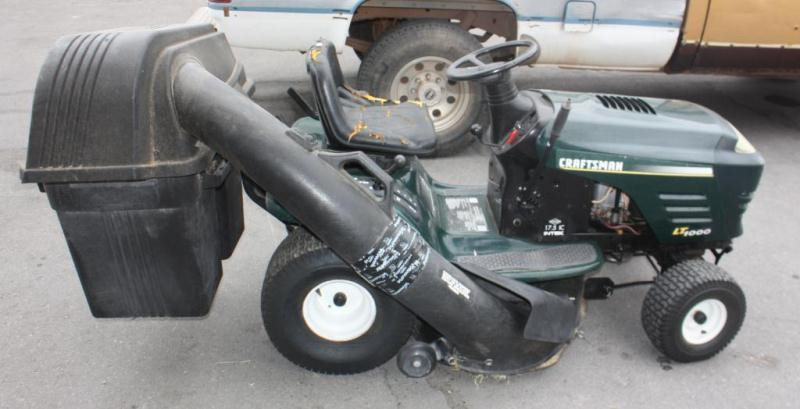 Craftsman LT1000 Lawn Tractor