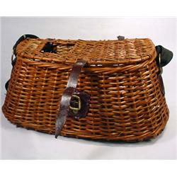 VINTAGE WICKER FISHING CREEL