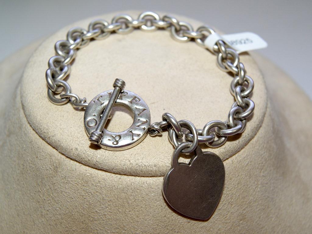 49ee45fa6 Tiffany & Co. New York Ladies Bracelet. Loading zoom