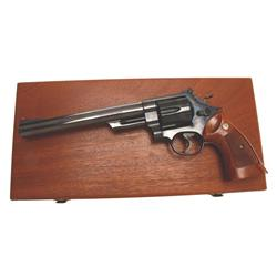 "Smith & Wesson Mdl 29-2 Cal .44mag SN:N601769, 8 3/8"" BBL, blued finish, target features, in box wit"