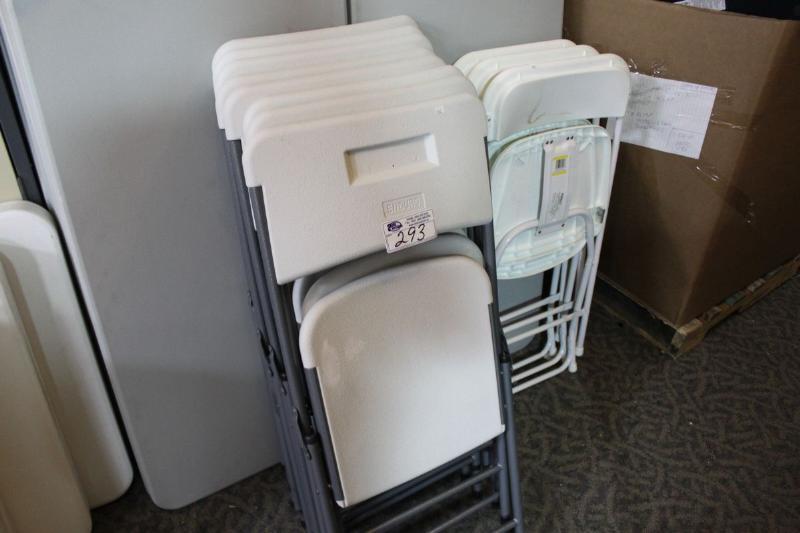 Sensational Lot Of 11 Enduro White Folding Chairs Creativecarmelina Interior Chair Design Creativecarmelinacom