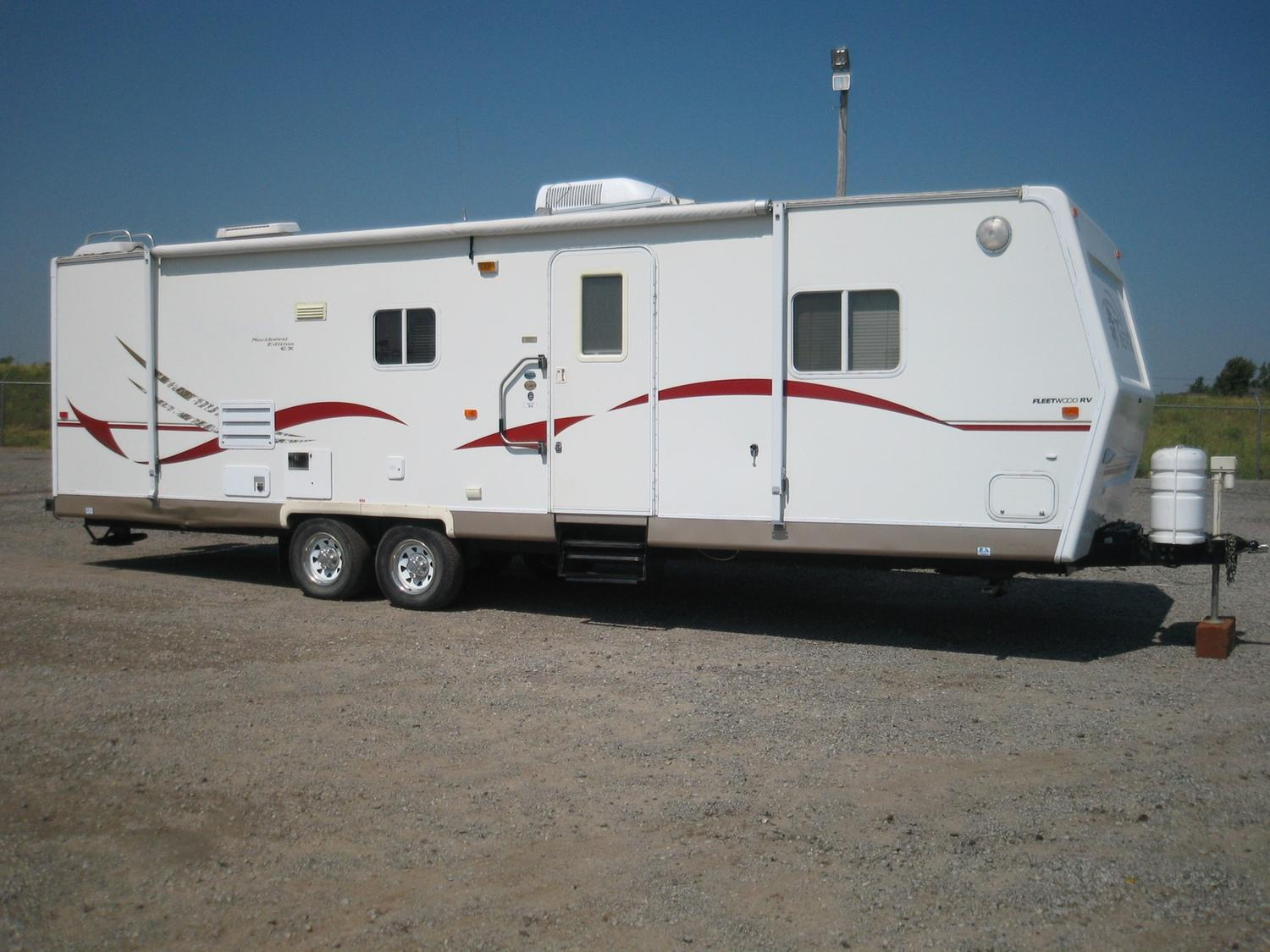 2002 TERRY EX MOD: 31G 31 5' TRAVEL TRAILER BY FLEETWOOD, NORTHWEST EX  EDITION, FREEDOM PACKAGE