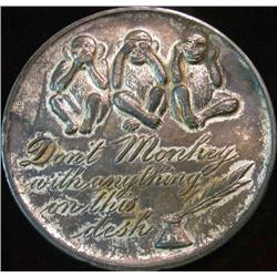 """219. 70mm """"Souvenir of Chicago"""" Pewter Medal. """"Lincoln Monument"""", """"Wrigley Building"""","""