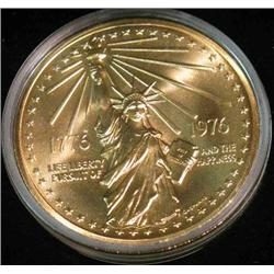 226. 1776-1976 National Bicentennial Medal in original case. Depicts Statue of Liberty.