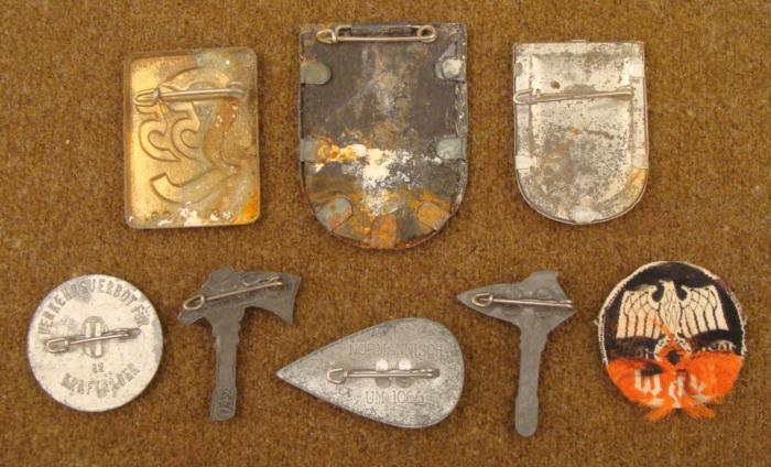 8 ORIGINAL NAZI WHW/WINTER HILFWERKS MEDALS, PINS-NICE
