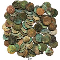 Lot of over 100 miscellaneous copper pennies (England and Ireland) in poor condition.
