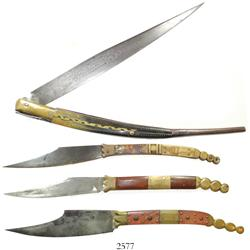 Collection of 4 Spanish navajas (folding knives) of the 1800s with important book about them entitle