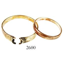 Lot of 2 simple gold rings, Spanish colonial (1600s-1700s).