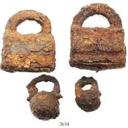 Lot of 4 iron padlocks (2 square and 2 spherical), Spanish colonial (1500s-1600s).