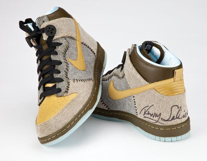 competitive price 90035 78bde Image 1   Limited Edition Nike Coraline Dunks signed by director Henry  Selick ...