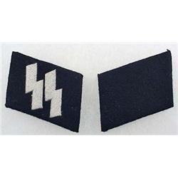 PAIR OF WW2 GERMAN NAZI WAFFEN SS EM COLLAR TABS -