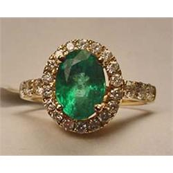 14K GOLD EMERALD AND DIAMOND LADIES RING - SIZE 7.