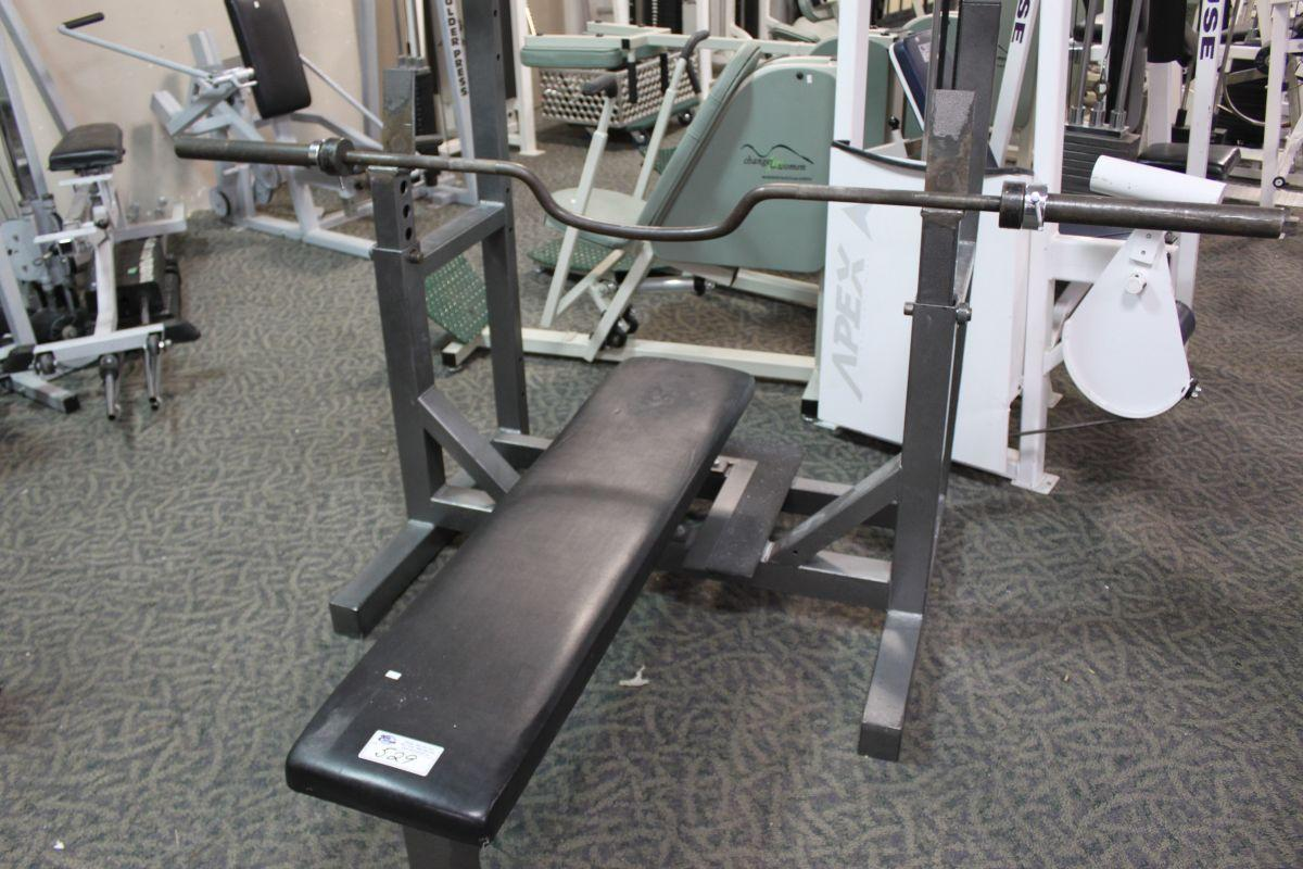 Hammer Strength Bench Press With Bar