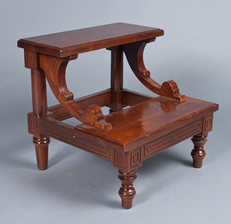 Astounding Antique Style Wood Bed Steps Beatyapartments Chair Design Images Beatyapartmentscom