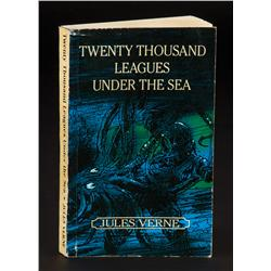 "Hero Samuel L. Jackson ""Dr. Henry Adams"" Twenty Thousand Leagues Under the Sea book from Sphere"