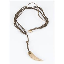 """Russell Crowe hero """"Maximus"""" tooth necklace from Gladiator"""