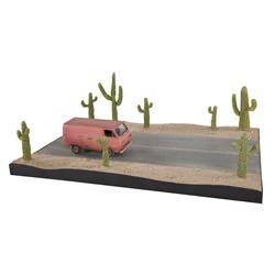 Alien smuggling van, tractor trailer truck and cactus from Men in Black