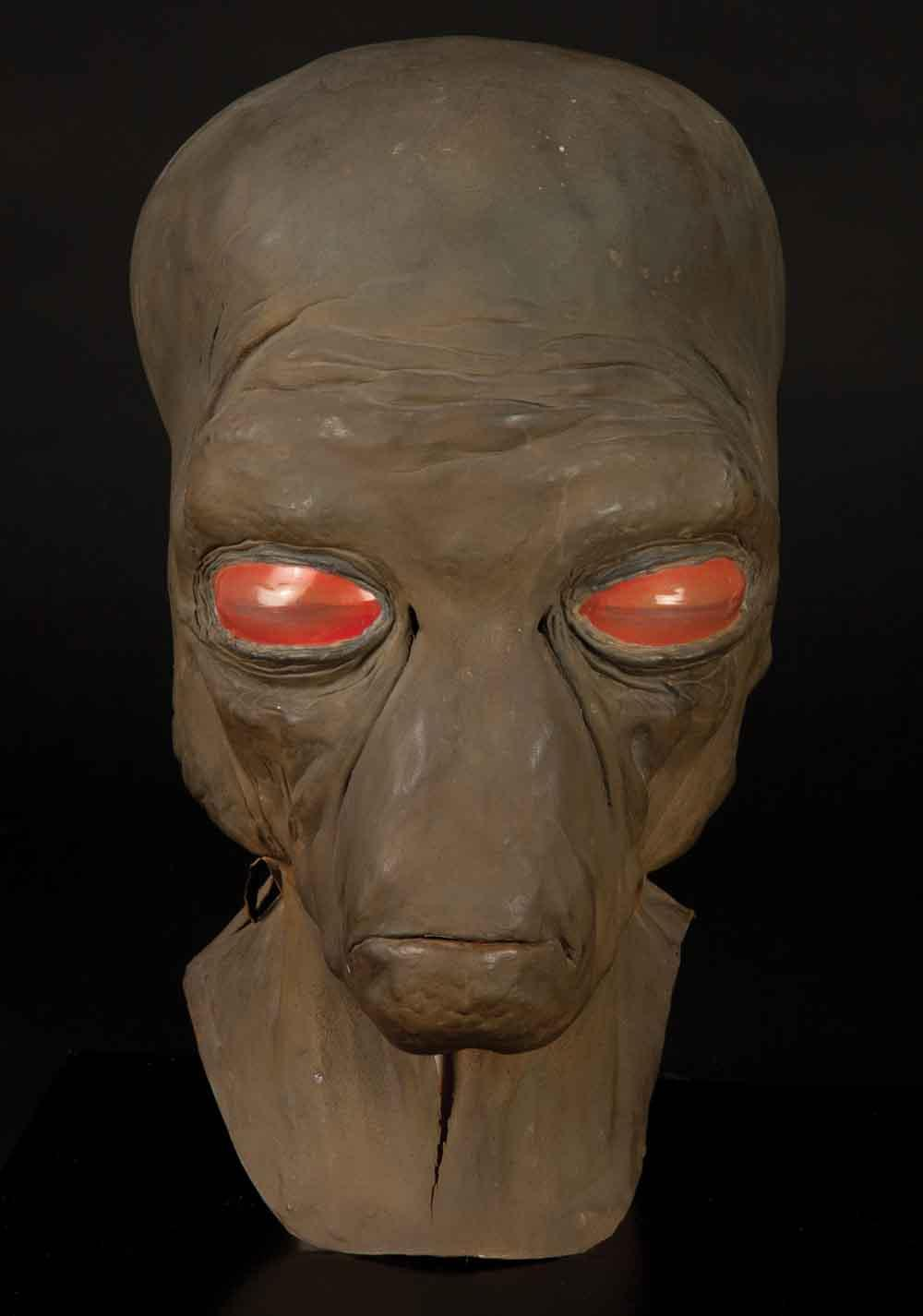 Ellorrs Madak Cantina Creature Mask And Hands From Star Wars