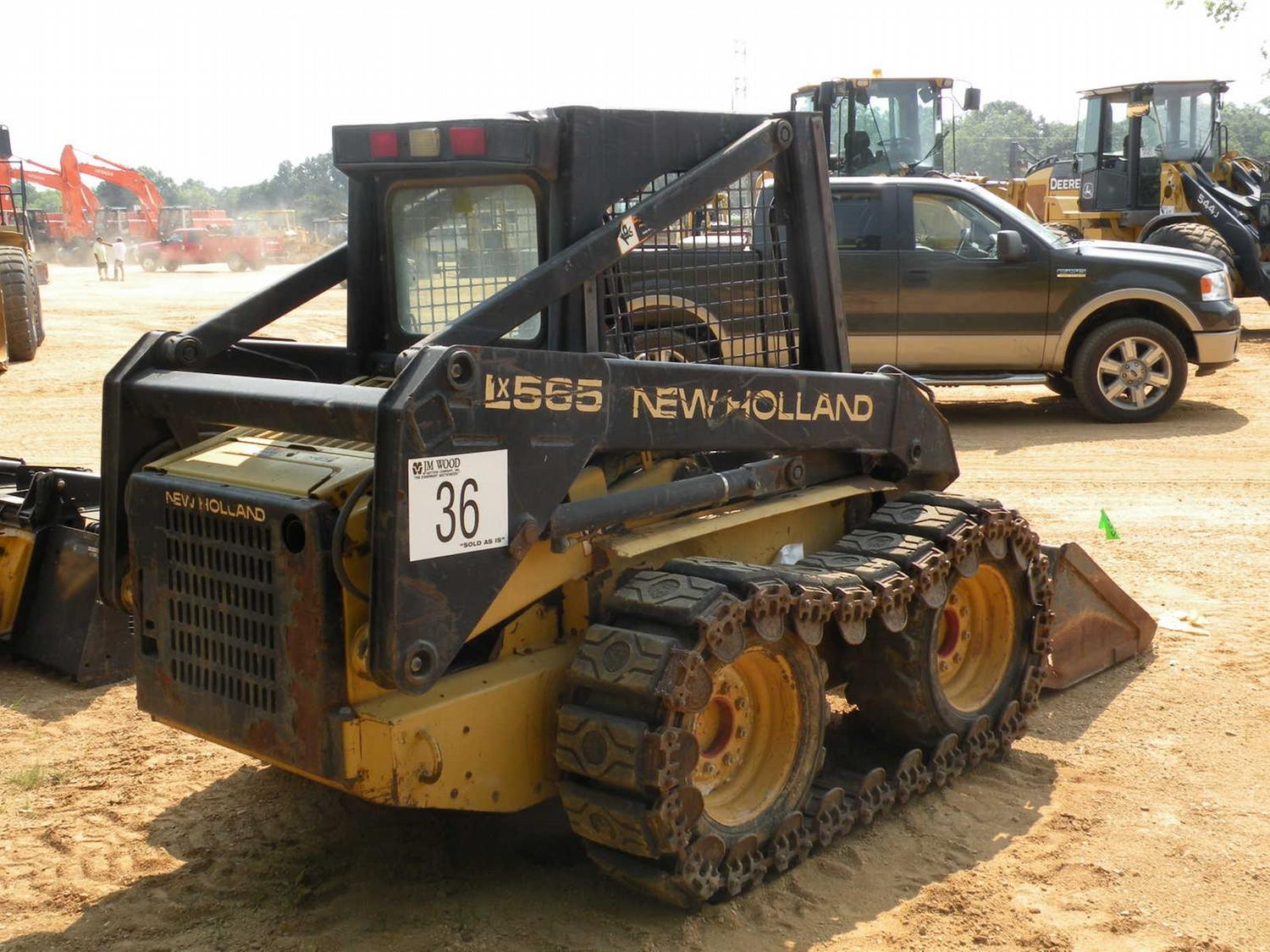 NEW HOLLAND LX565 SKID STEER LOADER