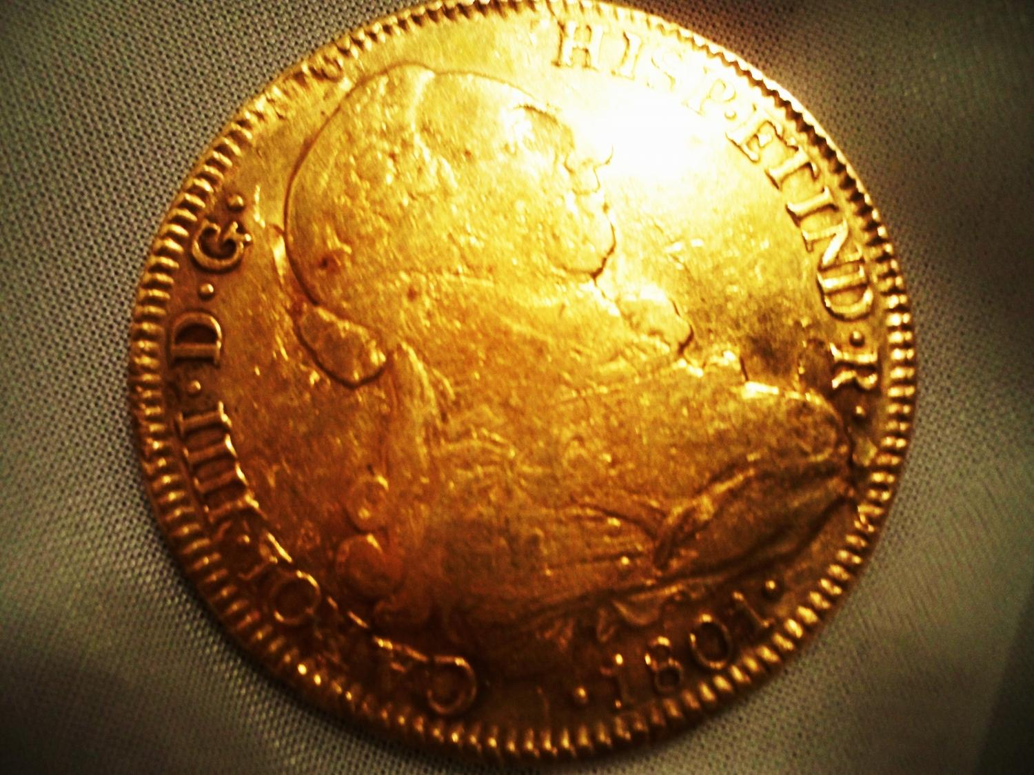 PIRATE TREASURE! Gold 8 Escudos Spanish Doubloon