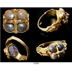 Large and ornate gold men's ring with top in the shape of an imperial crown with 4 pearls, possibly