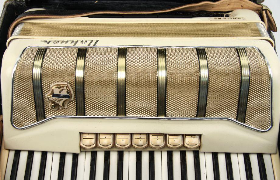 VINTAGE GERMAN HOHNER PIROLA III S ACCORDION