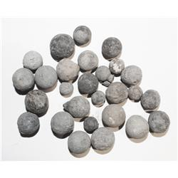 Lot of 27 lead musketballs, various sizes.