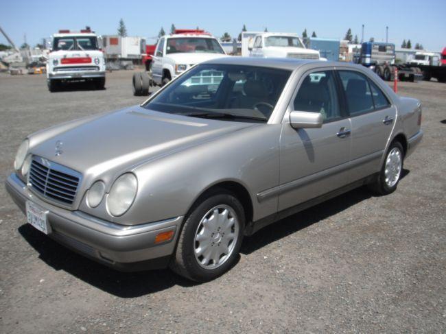 1997 Mercedes E320 >> 1997 Mercedes Benz E320 Sedan