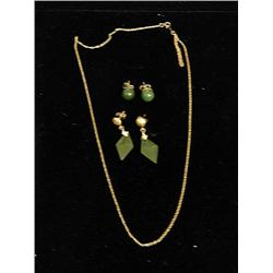 2 pair jade earrings & 14kt gold chain