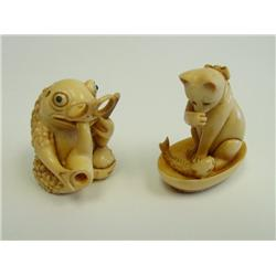 "2 ivory objects ""Cat"" & ""Frog"""
